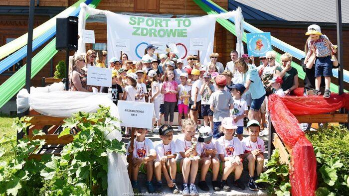 zdjęcie grupowe zawodników biorących udział w przedszkoladzie